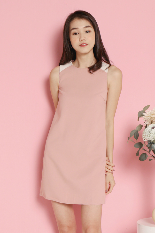 Tashia Pocket Shift Dress (Pink)