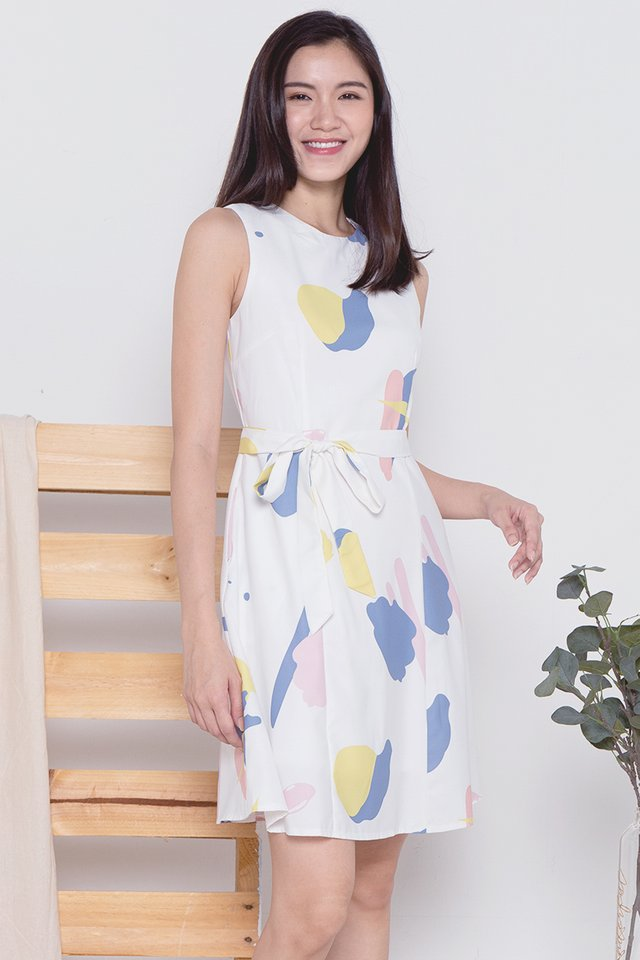 Cecil Abstract Dress (White)