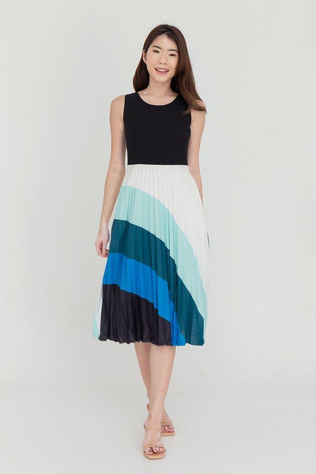 Hollie Pleated Midi Dress (Black)