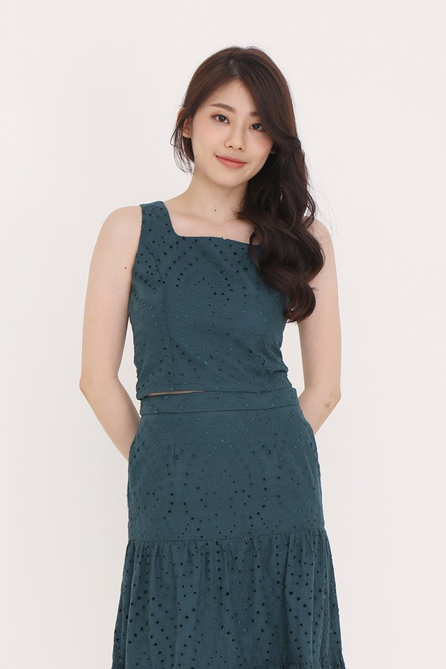 Caitlyn Eyelet Top (Forest Green)