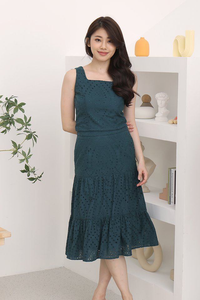 Caitlyn Eyelet Skirt (Forest Green)